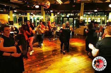 dance salsa bachata cardiff revolucion de cuba wales-01